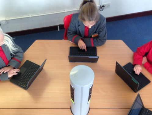 Year 5 find out more about e-safety