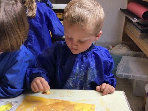 Reception recreate the colours of the seaside in art