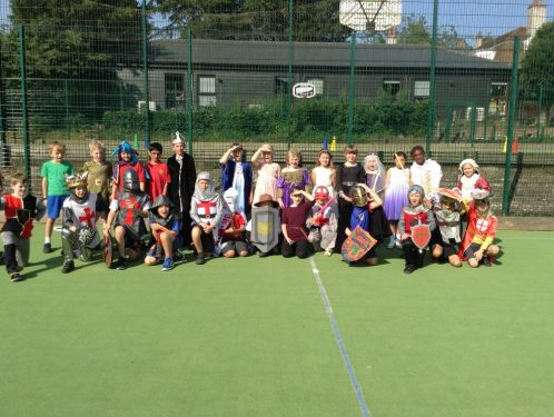 Year 3 look splendid in their medieval costumes