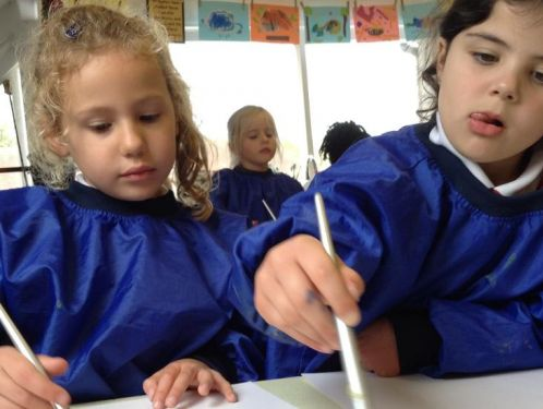 Year 1 explore colour mixing in art