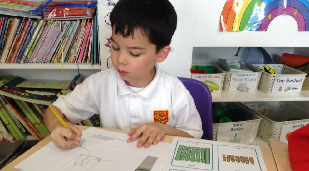 Year 1 create information sheets about our houses