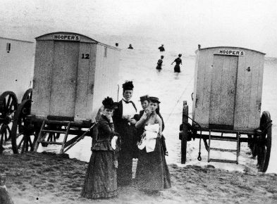 victorian_bathing_machines_960x540