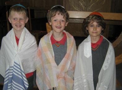 Yr 2 trip to synagogue
